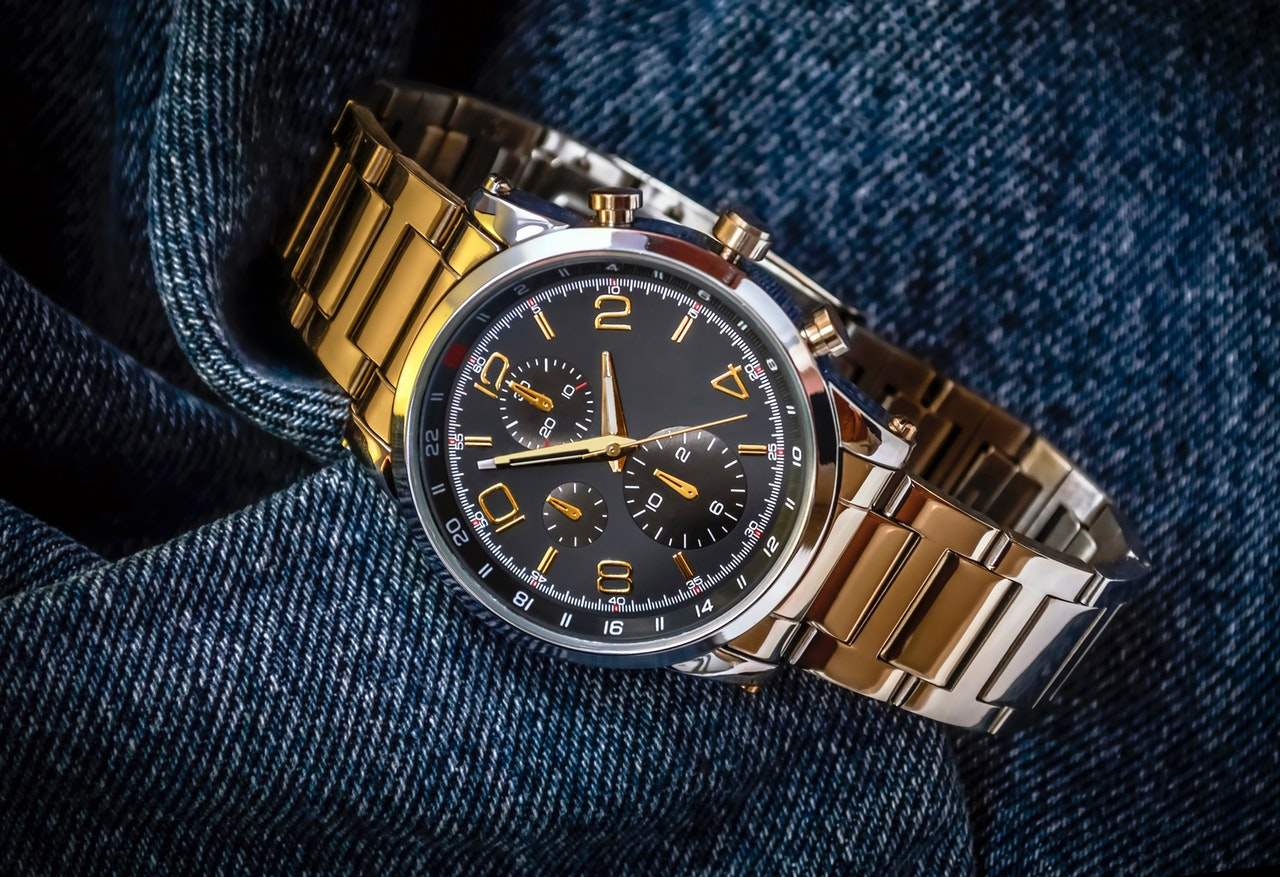 A List Of The Top 6 Gold Watches For Men