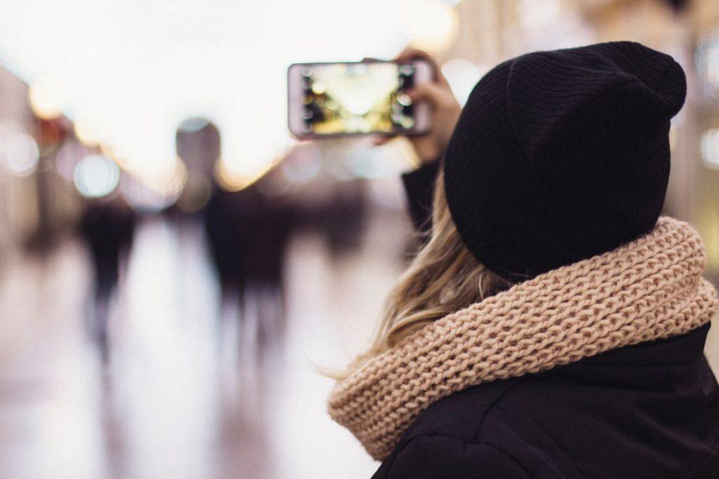 Accessories, Scarf, Woman, Cellphone, Selfie
