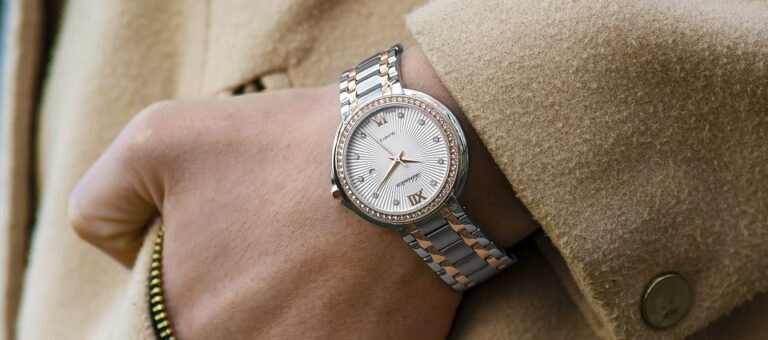 Luxury Watches For Women, Analogue Watch, Wristwatch, Stylish Watch, Fashionable Watch