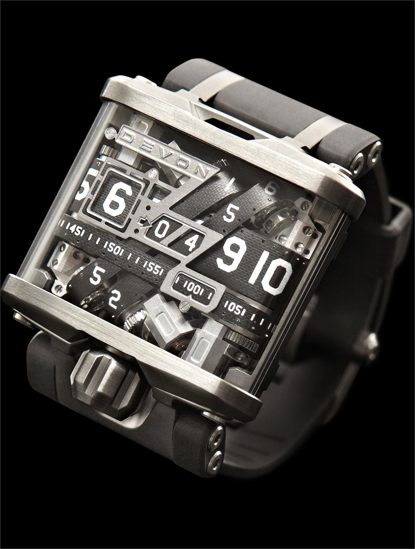 Devon Tread 1, high tech watches