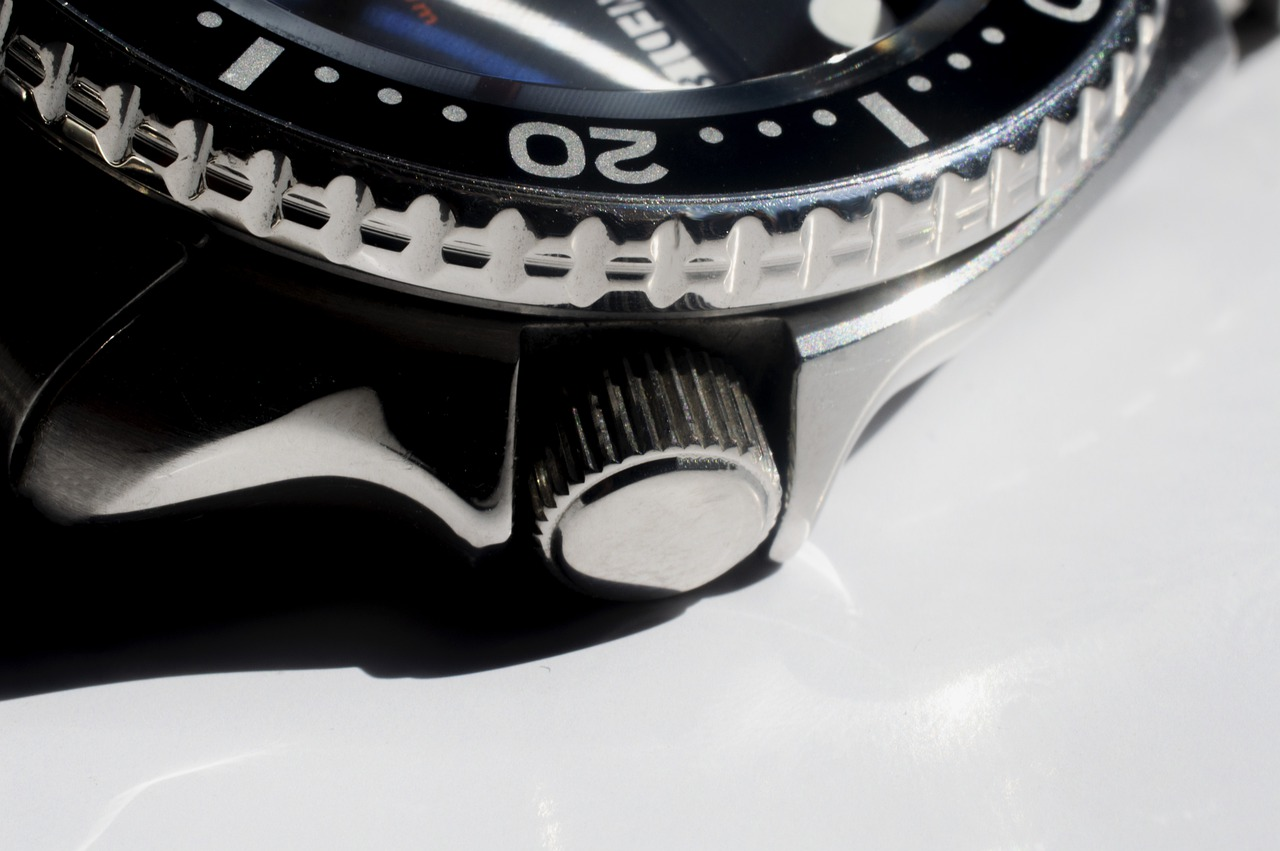 How To Use The Rotating Bezel On Your Dive Watch
