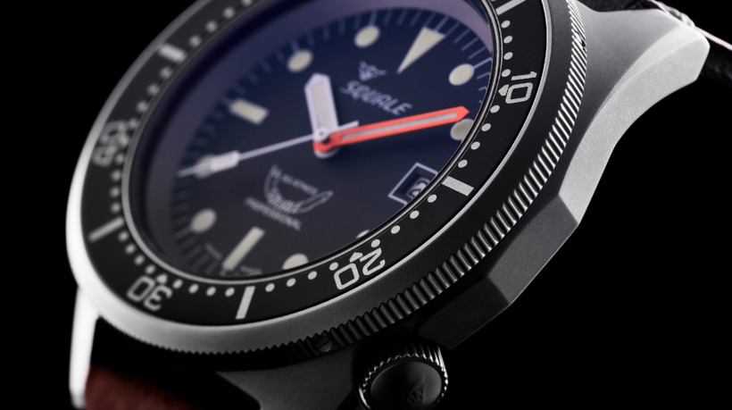 Squale 50 Atmos side screw-down crown